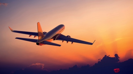 The-plane-flying-at-sunset-airliner-photography_1920x1080