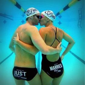 Yüzücü Çift