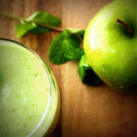 elmalı içecek smoothie